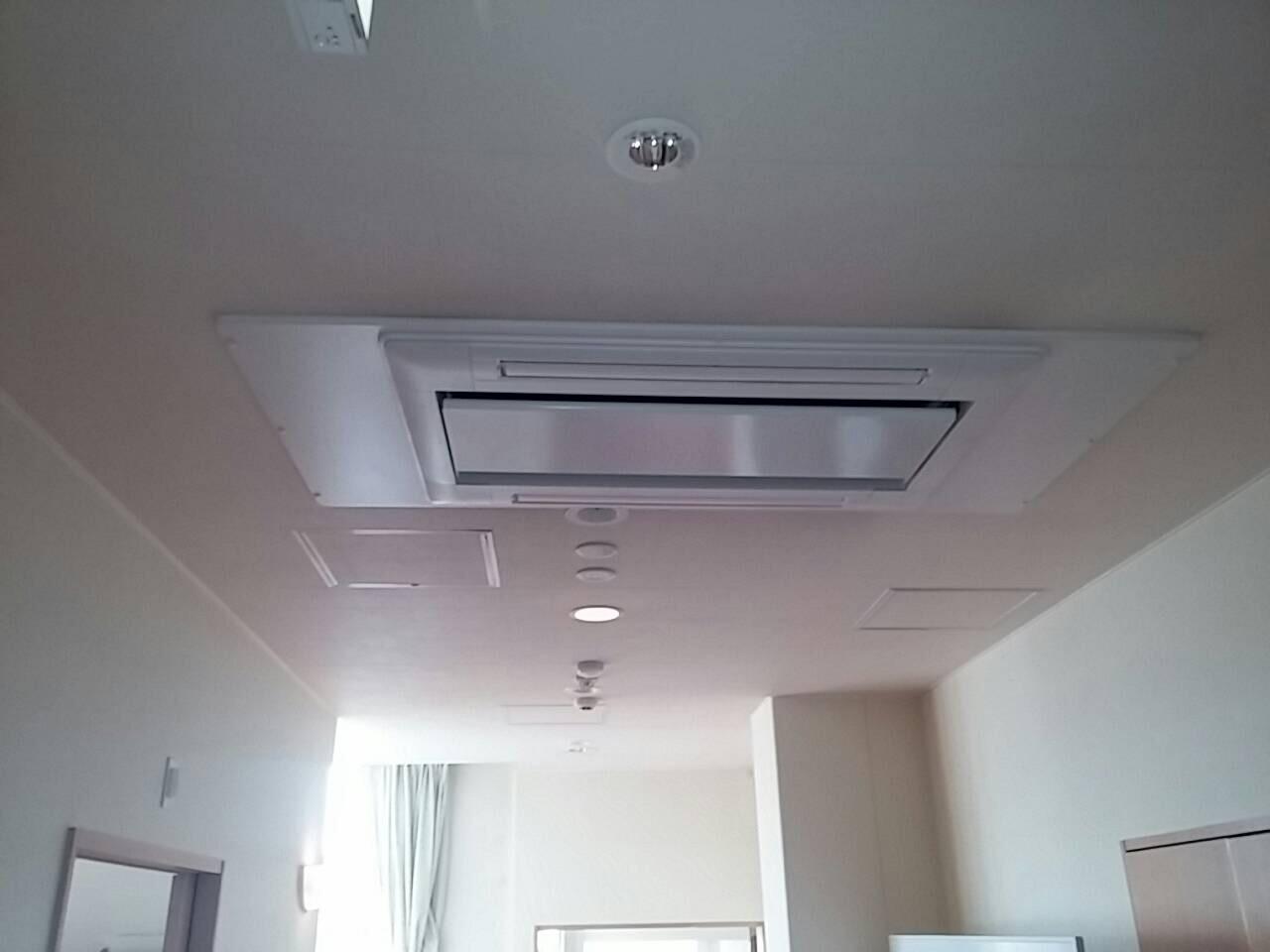 三AC菱重工 業務用エアコン修理 修理不可(部品供給なし)リニューアル工事 てんかせ2方向形 施工日2016年7月21日